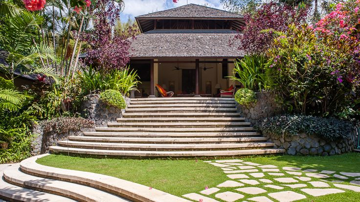 Villa Bougainvillea | 3 bedrooms villa | Canggu, Bali #garden #exterior #villa #openair #livingroom