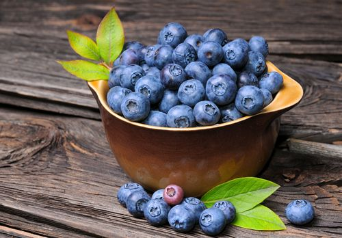Eat these foods for flat abs... And say goodbye to flabby stomachs! - Blueberries - http://www.urbanewomen.com/eat-these-foods-for-flat-abs-and-say-goodbye-to-flabby-stomachs.html