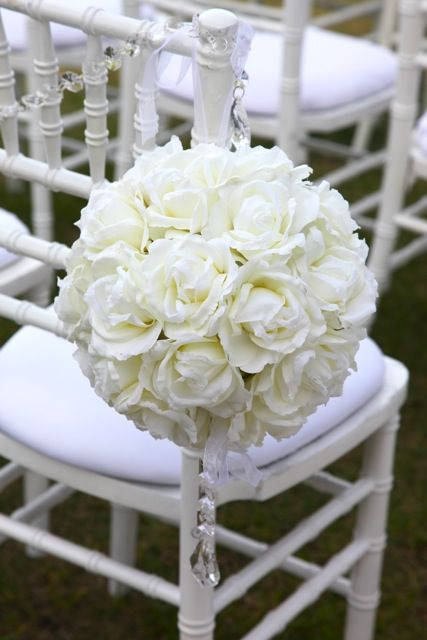kissing balls for wedding | Kissing Balls and Shepherd Hooks - Wedding Chair Hire Sydney
