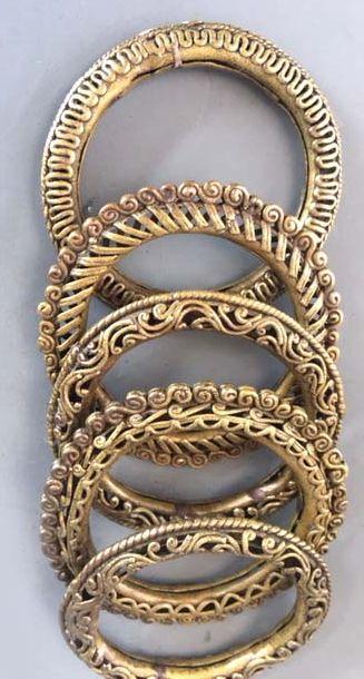 Tribal brass bangles Orissa early 20th c info@singkiang.com