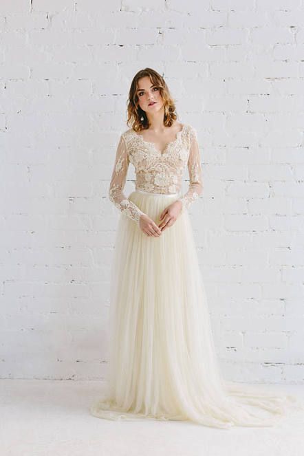 b5657652fa56 Tulle wedding skirt with lace top | Vintage two-piece wedding dress |  Modest bridal gown with long sleeves | Boho bridal dresses | A-line dress  for a ...