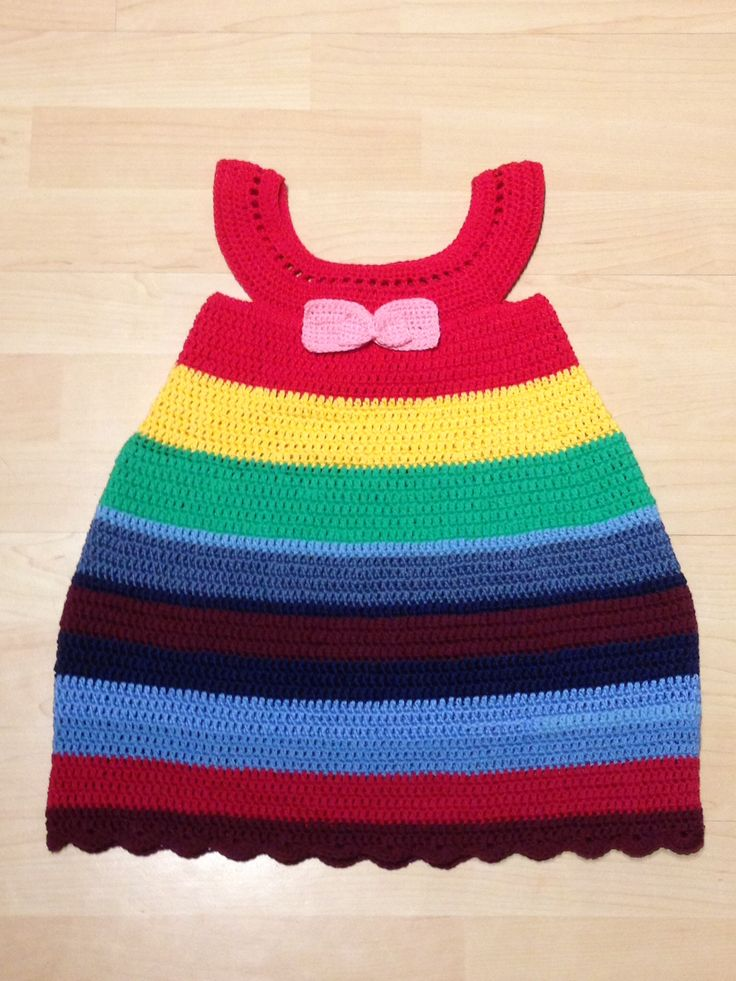Cute dress for a 3 year old child, cotton yarn.
