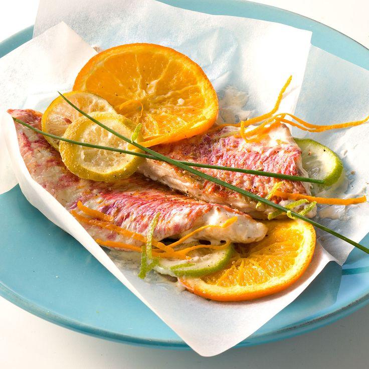Découvrez la recette Papillote de rouget aux agrumes sur cuisineactuelle.fr.