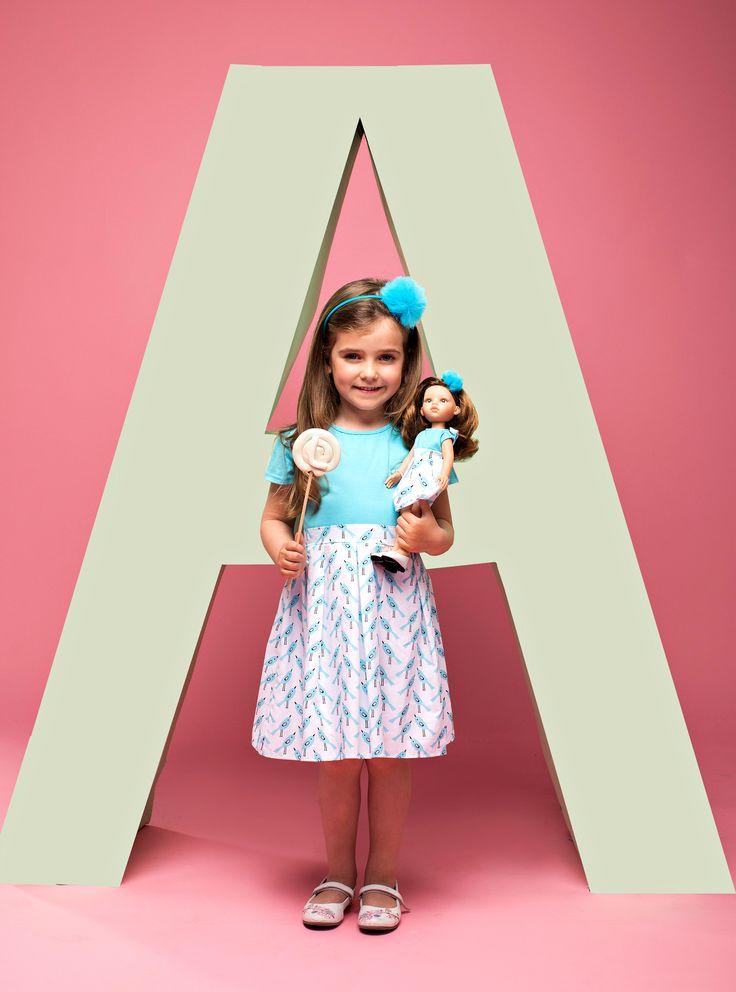 Dress in birds. Photo shoot idea. Oversised letters. Sukienka w ptaszki dla dziewczynki i lalki. Sesja zdjęciowa La Lalla - literki. Gift for 4-6 years old girl.Blue pom pom hairband for kid and her La Lalla doll. Doll accessories.