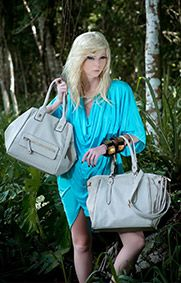 Vários modelos: bolsas de festa, bolsas clássicas e bolsas despojadas. Poquet » Bolsas e acessórios
