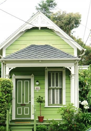 cute cottage: Green Houses, Green Home, Tiny House, Little House, Keys Limes, Small Home, Small House, Little Cottages, Small Cottages