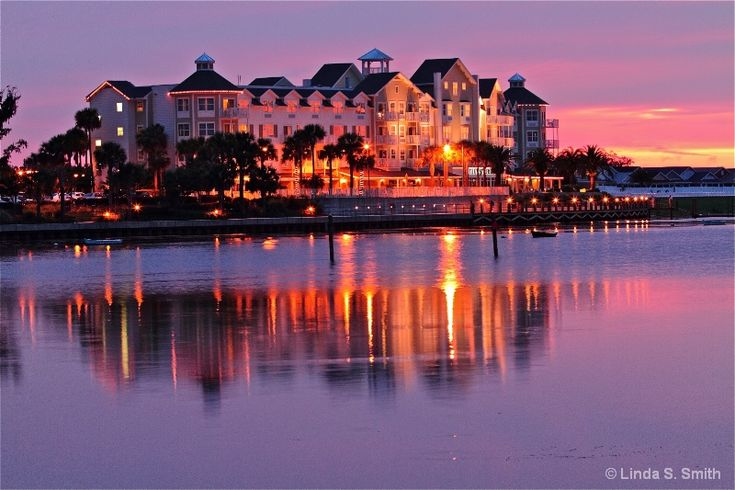 The Waterfront Inn  at The Villages, FL