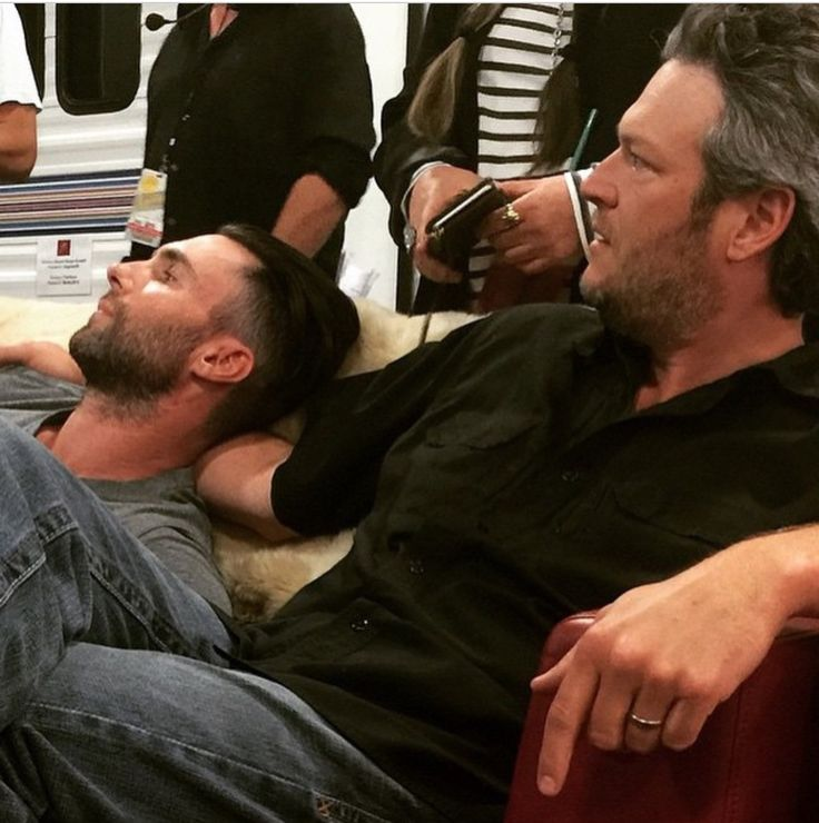 Adam Levine and Blake Shelton Bromance!!