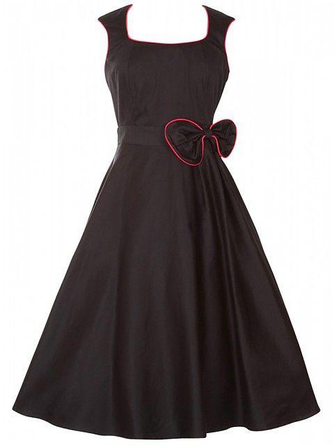 Das ist ein tolles Kleid mit der Schleife an der Seite Top
