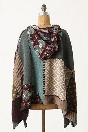 Muy buena idea, reutilizar bufandas para hacer un poncho, no veo el momento de hacerlo.