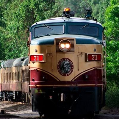 My idea of a dream #Napa Valley vacation #SutterhomeLITV is the Napa Valley Wine Train                train to sutterhomes