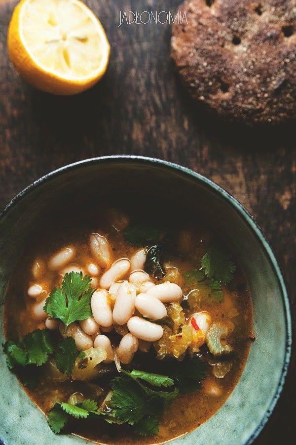 Cytrynowa zupa fasolowa z harissą » Jadłonomia · wegańskie przepisy nie tylko dla wegan