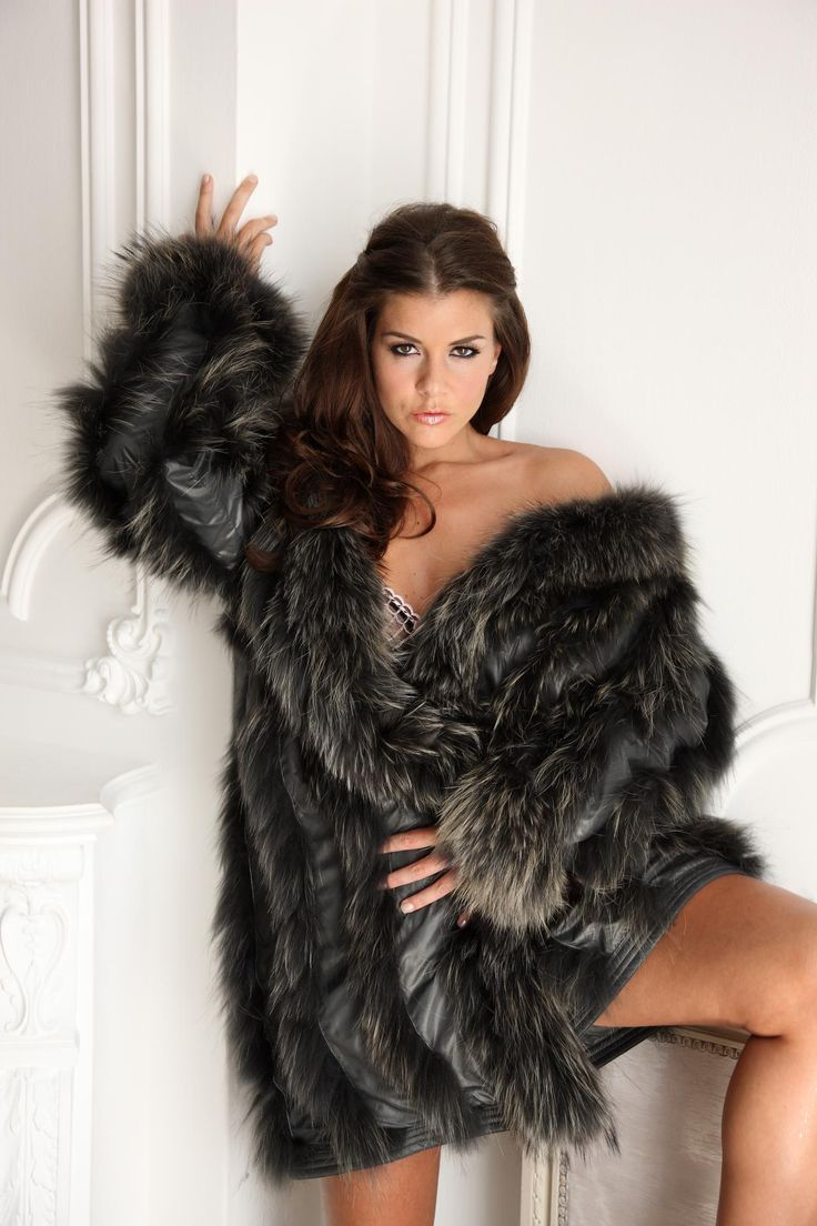 coat fur Sexy girl nude