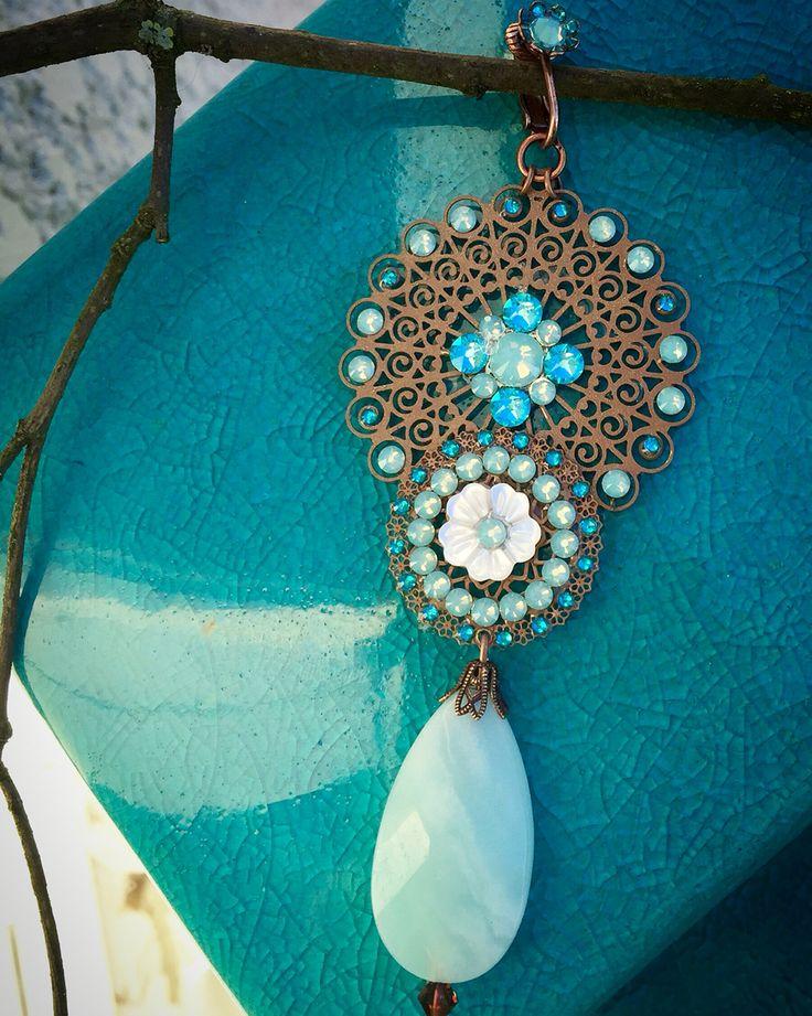 Boucle d'oreille bleu lagon en nacre, amazonite et cristal Swarovski