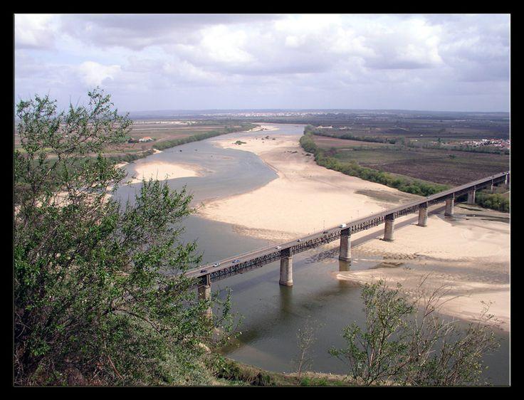 River Tejo at Ribatejo, a photo from Santarem, South | TrekEarth