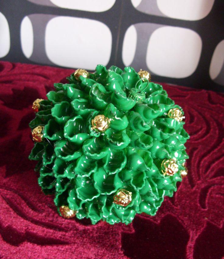 bombka makaronowa więcej na www.kasartt.blogspot.com