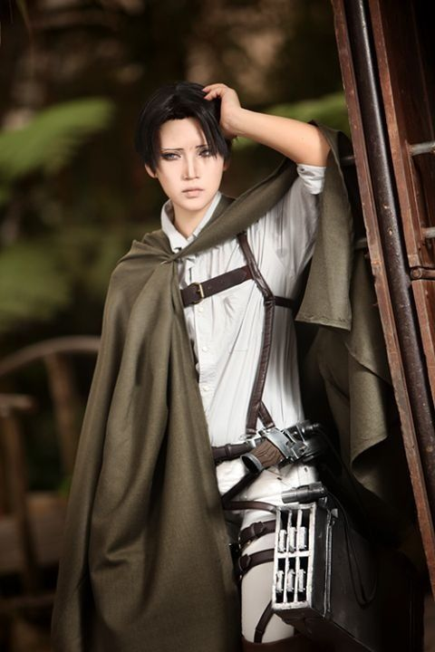 Rivaille (Levi)...you just gotta love a cosplayer's commitment! #ShingekiNoKyoujin