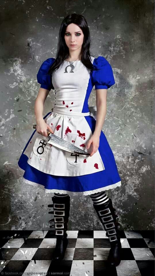 This kind of Alice cosplay reminds me of Aya from Mad Father