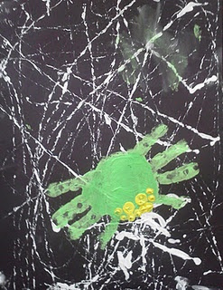 Fun Handprint Craft for toddlers and preschoolers. Also see the previous lesson on finding spider webs.