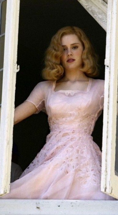 Alison Lohman's pastel pink dress in Big Fish. Love this movie, love this scene, love this dress.