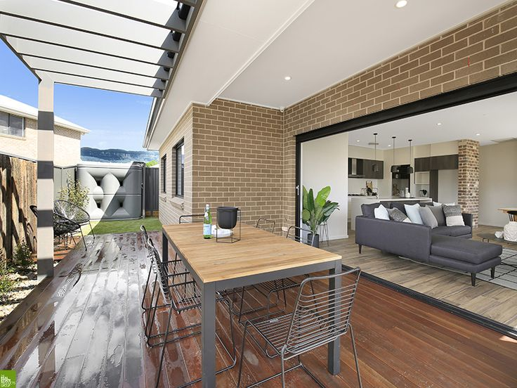 'Oakwood' Display Home by Mincove Homes On Display at Calderwood Valley, NSW