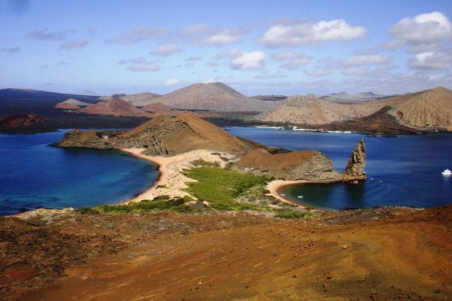 galapagos http://www.origo.hu/utazas/hirek/20150713-a-vilag-tiz-legszebb-szigete-kozott-ket-europai-van.html