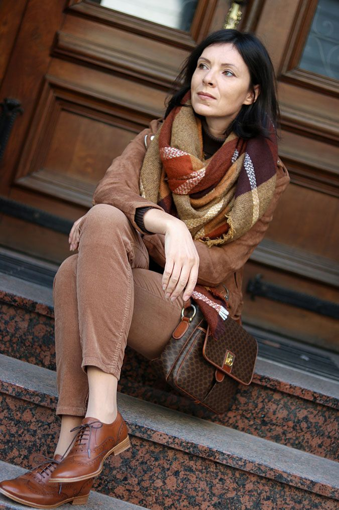 https://minimalissmo.blogspot.com/search?updated-max=2017-12-13T08:53:00%2B01:00&max-results=5   #fashion #moda #scarf #coat #oxford #casual #camel #trendy #style #celine #oxfords