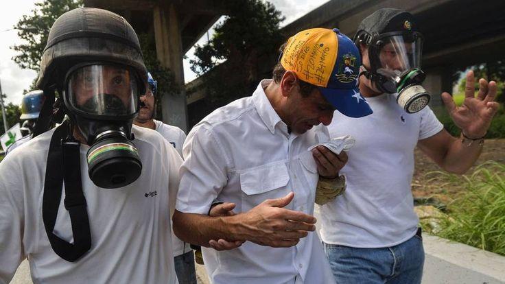 CRISIS EN VENEZUELA    La Guardia Nacional Bolivariana agrede al líder opositor Capriles tras una manifestación    El excandidato presiden...