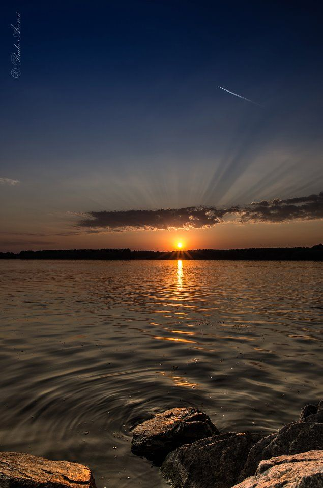 Sunrise in Braila, Romania (by Radu Arama)