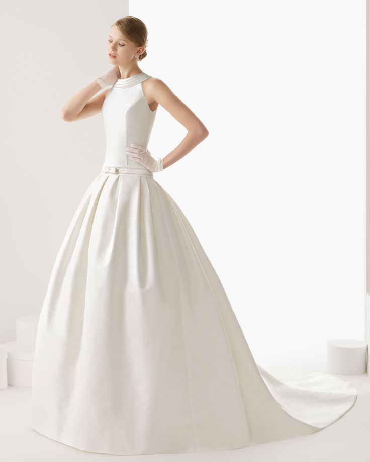 144 CARTAGENA | Wedding Dresses | 2014 Rosa Clara Collection | Rosa Clara (Shown with Bow Belt at lower waist)