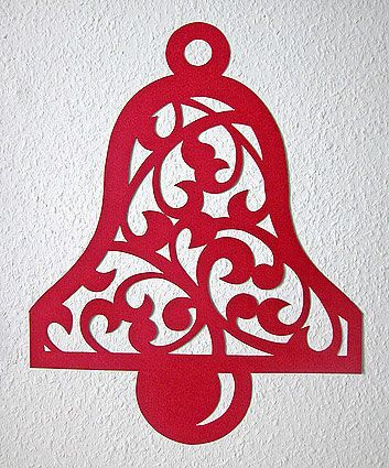 Pretty idea for a Christmas scroll saw pattern...