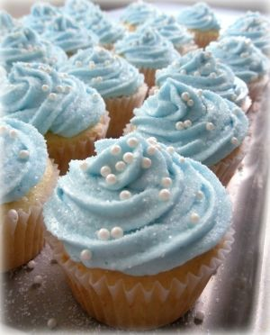 Cinderella cupcakes -- Id like to make these for S's birthday