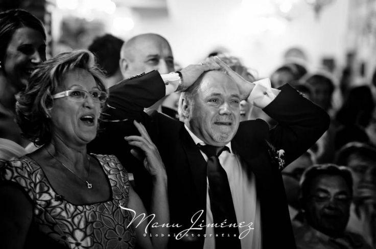 Espectacular reportaje de fotos de Manu Jimenez de una boda celebrada en La Posta Real. El reportaje es completísimo y en el mismo podréis ver muchos de los espacios interiores y exteriores de nuestras instalaciones. Y por supuesto, enhorabuena a los novios, Laura y Kike.