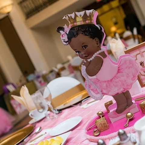 We're excited to share pics from our Tutu Cute Ballerina baby shower earlier this month at Signature Grand! #tutuexcited #girlsaretutucute #ballerinababyshower #eventplanner #eventcoordinator #outoftheboxxevents ________________________________  Planning and design:  @outoftheboxxevents | Linen: @caletha_linen_lady | Candy apples, rice krispy treats,  chocolate covered oreos,  strawberries: @treatsboutique | Cookies: @3menandalilladysweets | Photography- @tavarishamilton