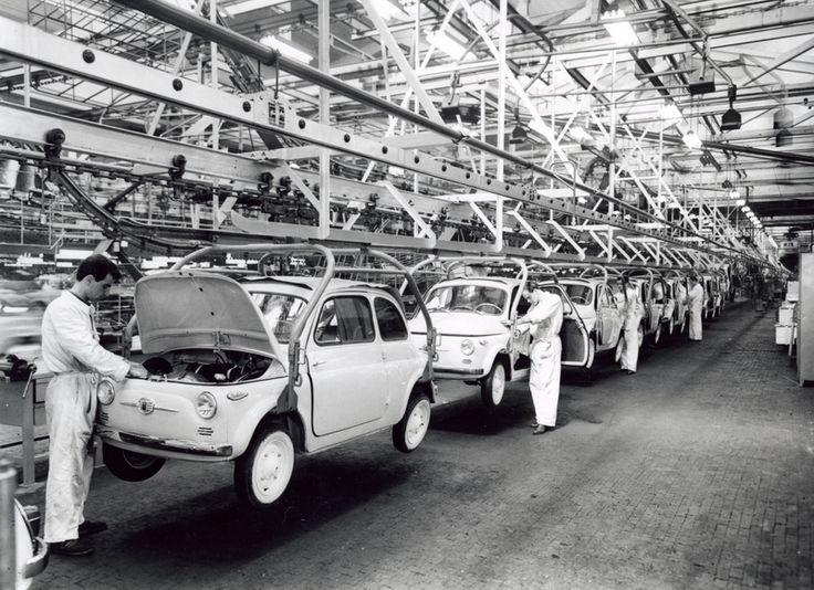 Stabilimento di Mirafiori. Linea di finizione delle Fiat Nuova 500, 1958, Italia, Torino   #TuscanyAgriturismoGiratola