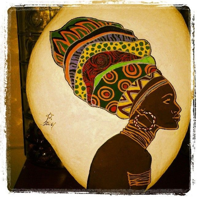 hediyelik eşya/23/afrika/ilginç  dekoratif/hand made/Taş boyama /tasarım/aksesuar/sanat *Kullandığım malzemeler: Doğal sıradan taşlar,boya,su ve cila..*Taşları ayakaltından...