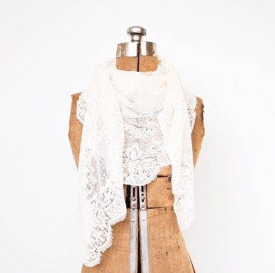 A lace scarf... drool