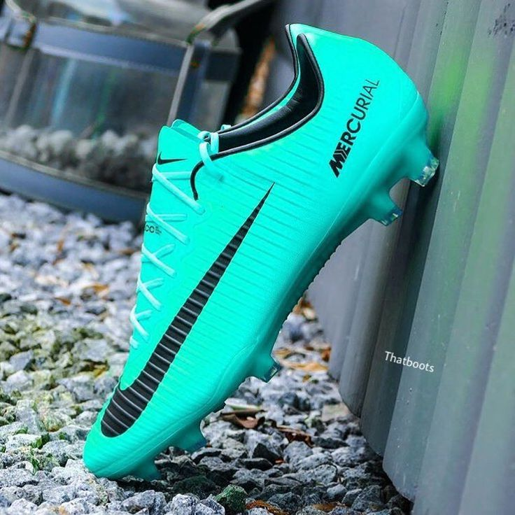 Blue vapors are always on point   Let's hit the 40k soon!   @thatboots || #thatboots   Tag friends  #soccer #football #boots #cleats #shoes#soccerboots #soccershoes #soccercleats#footballboots #footballcleats #footballshoes#cleatstagram #footyheadlines #bootsandlaces#prodirect #prodirectsoccer #433 #soccerdotcom#championsleague #premierleague #laliga #superfly#cr7 #mecurial #nikesoccer