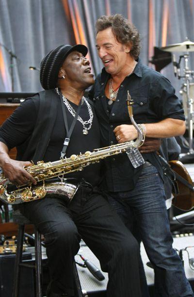 Clarence Clemons & Bruce Springsteen.