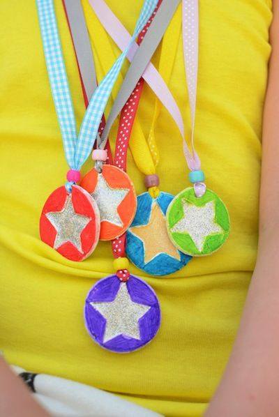Meri Cherry how to make a medal Father's Day craft for kids