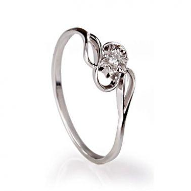 Кольцо из белого золота с одним бриллиантом