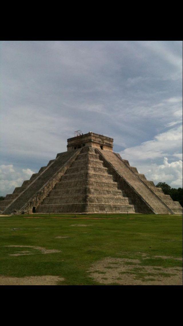 Piramide Kukulcán Cancun Mexico