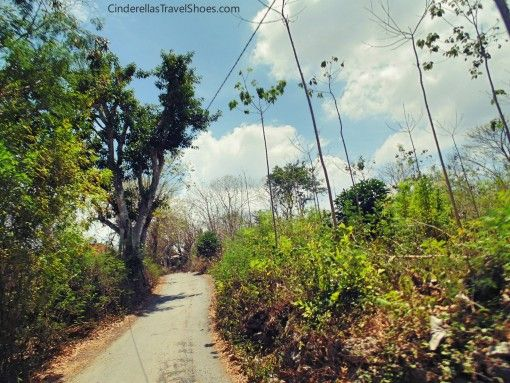 Driving motorbike to Jungubatu village, the heart of Lembongan