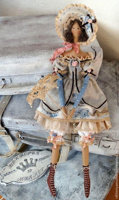 Купить или заказать кукла тильда ручной работы Барышня в голубом) в интернет-магазине на Ярмарке Мастеров. Романтичная весенняя барышня , вся в бантиках и розочках. Одежда сшита из натурального льна и хлопка. Аксессуар - кружевной зонтик от солнца.