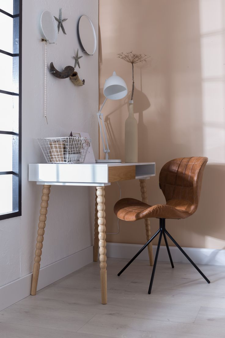 OMG LL chair setting  http://unoliving.com/zuiver-omg-spisebordsstol-brun