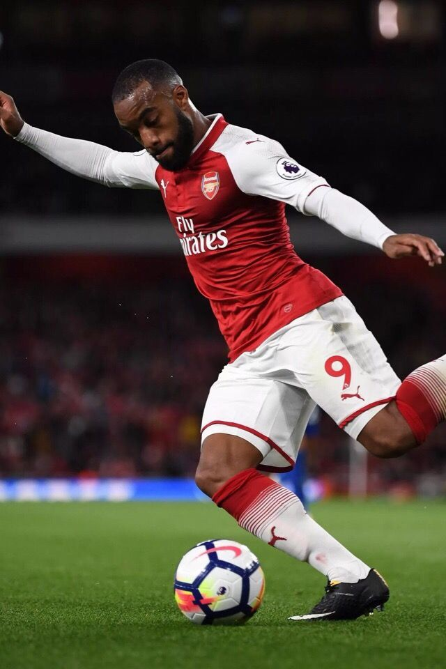 Happy Birthday Alexander Lacazette Today The French Striker Of Arsenal Is 28 Years Old Congratulations Soccer News 28 Years Old Striker