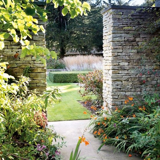17 Best Images About Gardening Tips And Ideas On Pinterest: Best 25+ Stone Wall Gardens Ideas On Pinterest