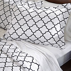 @Overstock - A striking geometric print delicately highlights this King-size duvet cover set. Constructed of soft microfiber, this elegant duvet cover set features a brushed finish for smooth, lustrous comfort.http://www.overstock.com/Bedding-Bath/Charleston-3-piece-King-size-Duvet-Cover-Set/6531675/product.html?CID=214117 $32.99: Duvet Covers, Charleston Duvet, Delicately Highlights, Elegant Duvet, Overstock Com, Duvet Cover Sets