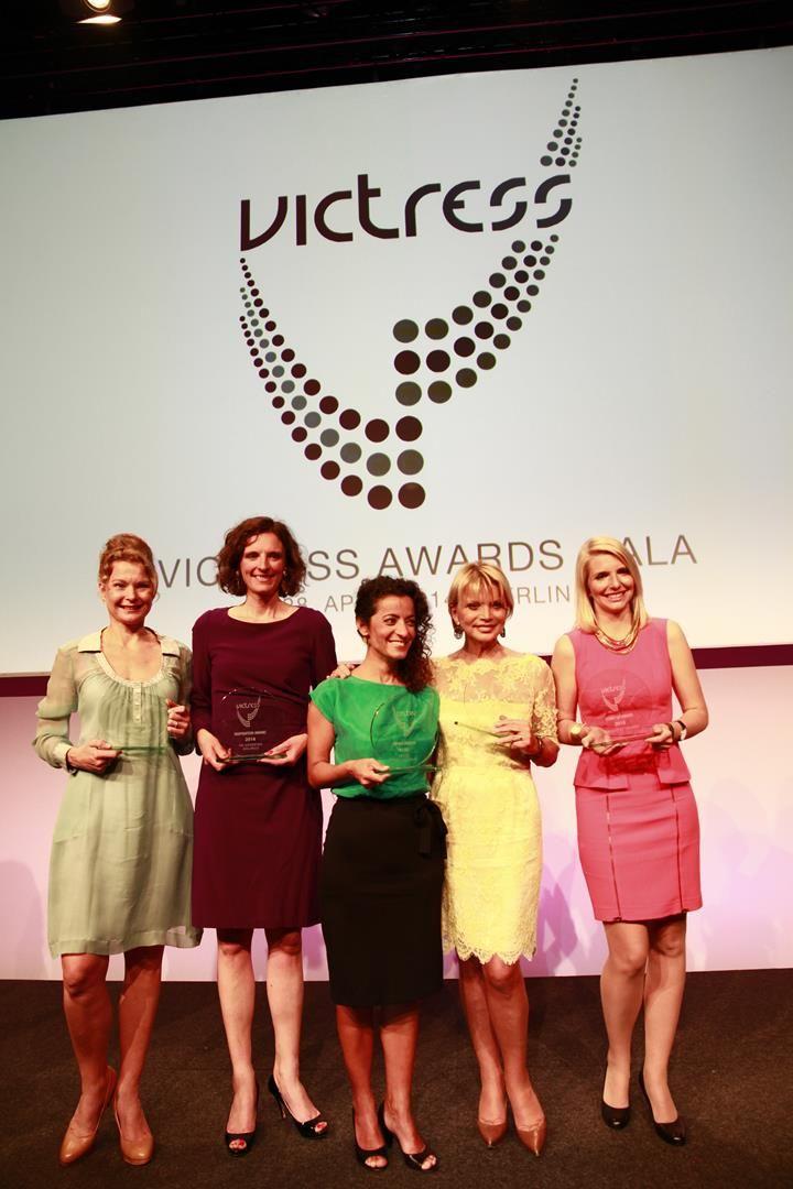 Die Gewinnerinnen der VICTRESS Awards 2014: Dr. Henrike Fröchling, Dr. Katarzina Mo-Wolf, Zeynep Babadagi-Hardt, Uschi Glas und Lea-Sophie Cramer