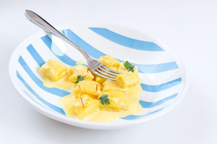 Włoskie gnocchi w sosie śmietanowym z szafranem